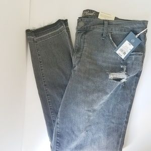 NWT Universal Thread Skinny high waisted jeans 16